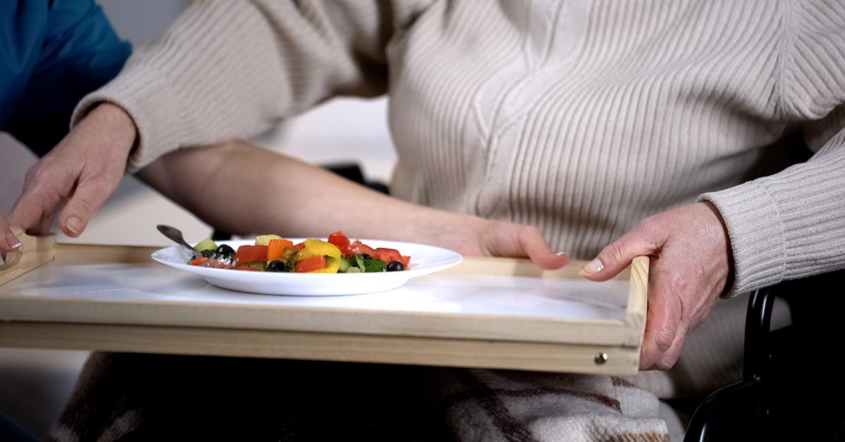Ältere Menschen in Pflegeheimen unzureichend versorgt