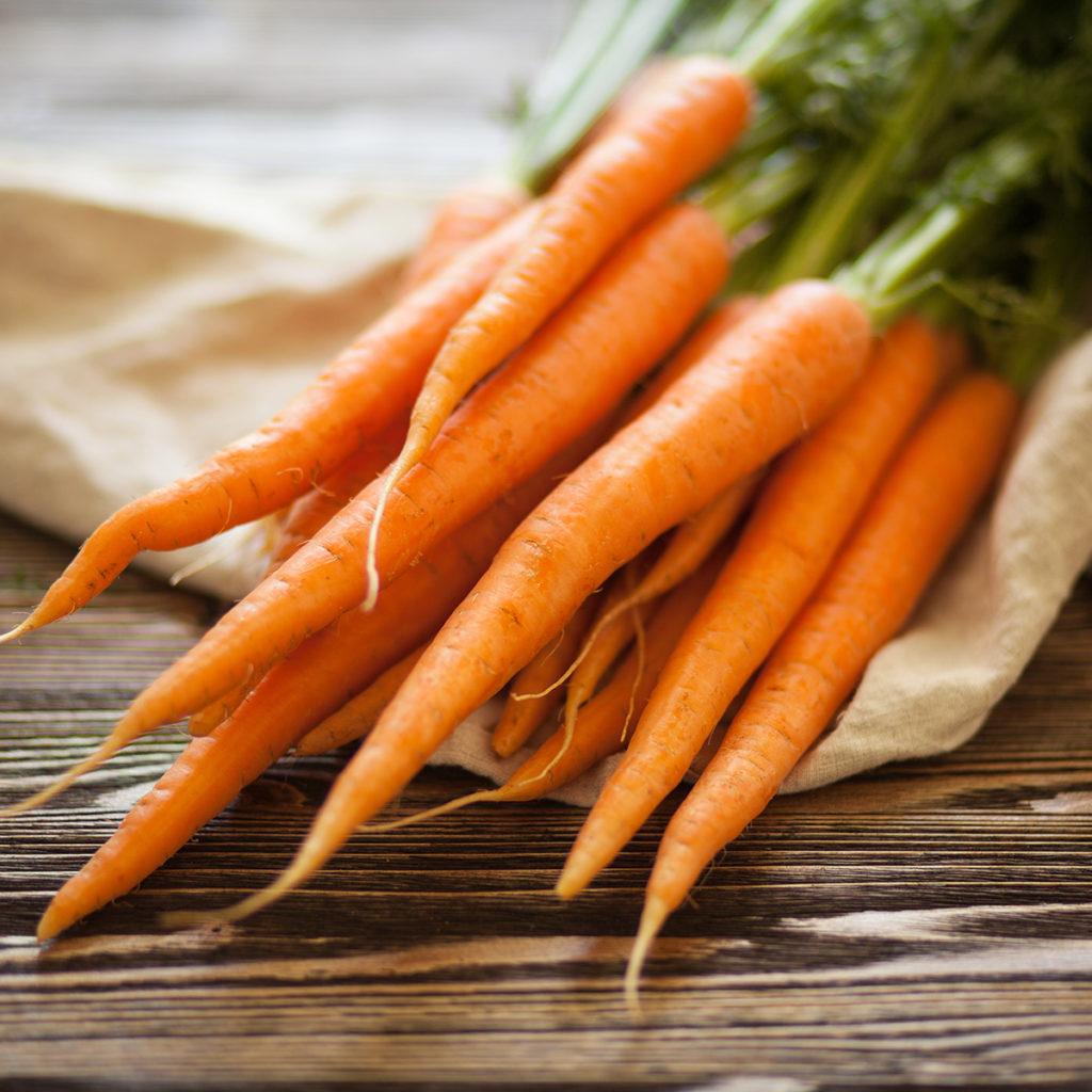Karotten lassen sich gut lagern. Bei der richtigen Temperatur verlieren sie auch über längere Zeit nur wenig Vitamine.